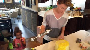 Katherine Heigl Frosting Daughter Adalaide's Birthday Cake