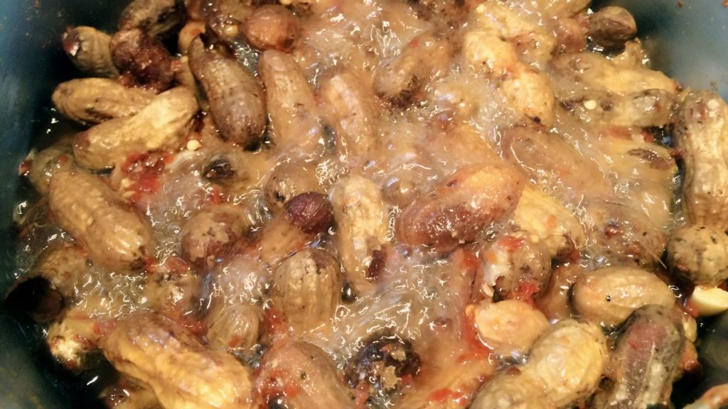 Spicy, Salty Boiled Peanuts