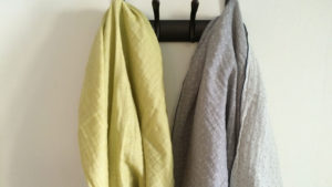 Citrus yellow and heather gray suit each other perfectly.