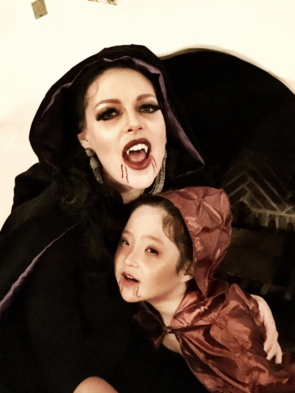 Halloween vampires - Katherine Heigl and daughter Naleigh
