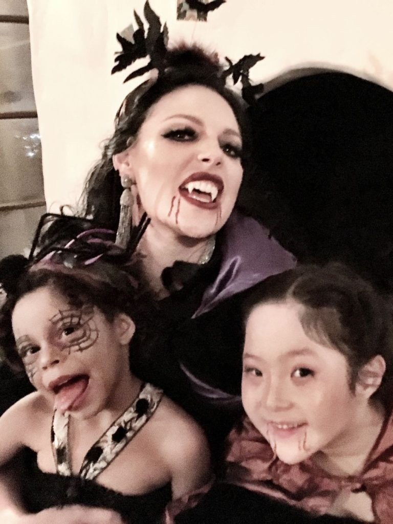 Creepy creatures at Halloween - Katherine Heigl and daughters