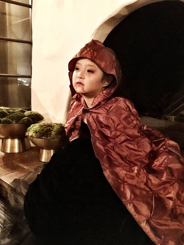 Naleigh - Halloween vampire