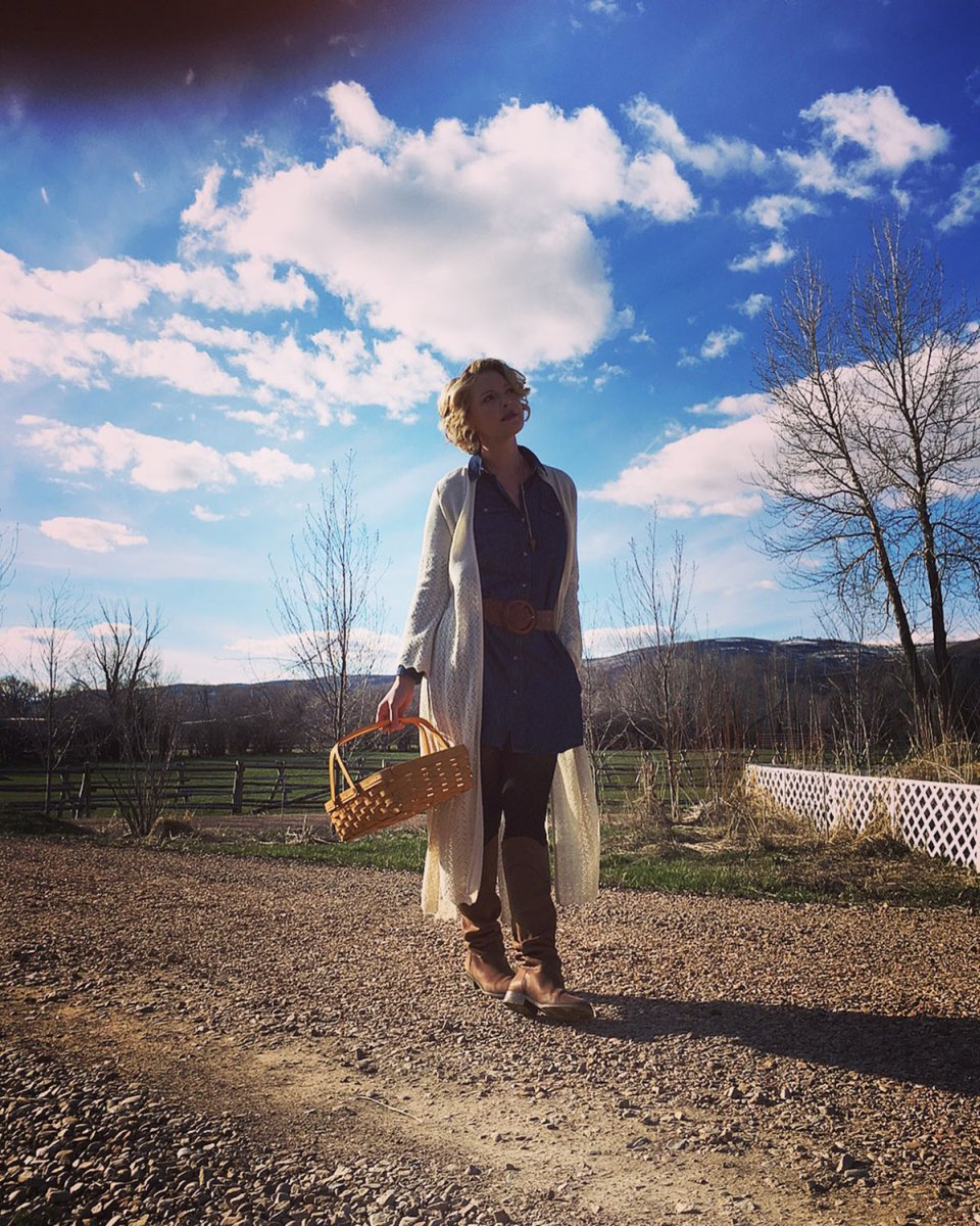 Katherine Heigl Collecting Eggs From The Ranch