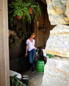 Katherine Heigl - Front Entrance To Home