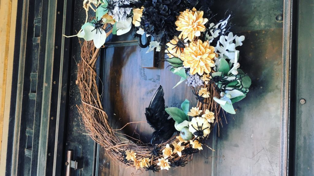 Spooky wreath with spiders, skeletons, mice and ravens