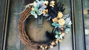 Completed spooky Halloween wreath