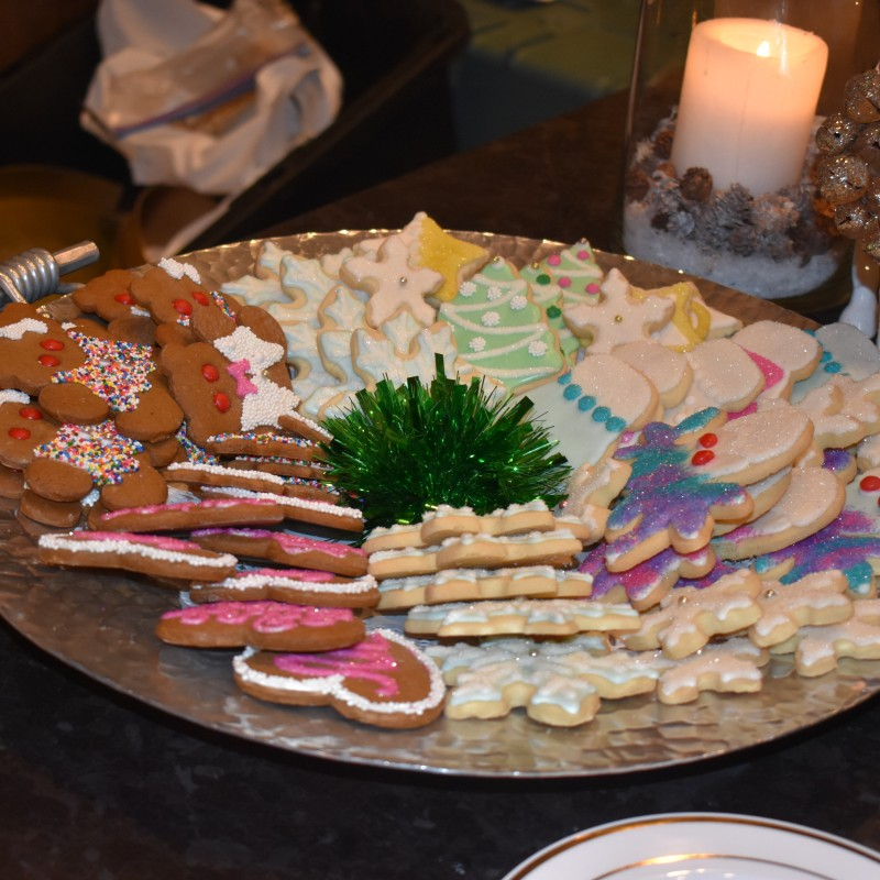 Our wonderful and generous friend Miss Janice Dayton always brings a beautiful plate of homemade Christmas cookies for the guests to enjoy.
